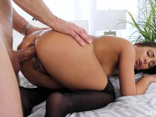 Man and wife suck cock